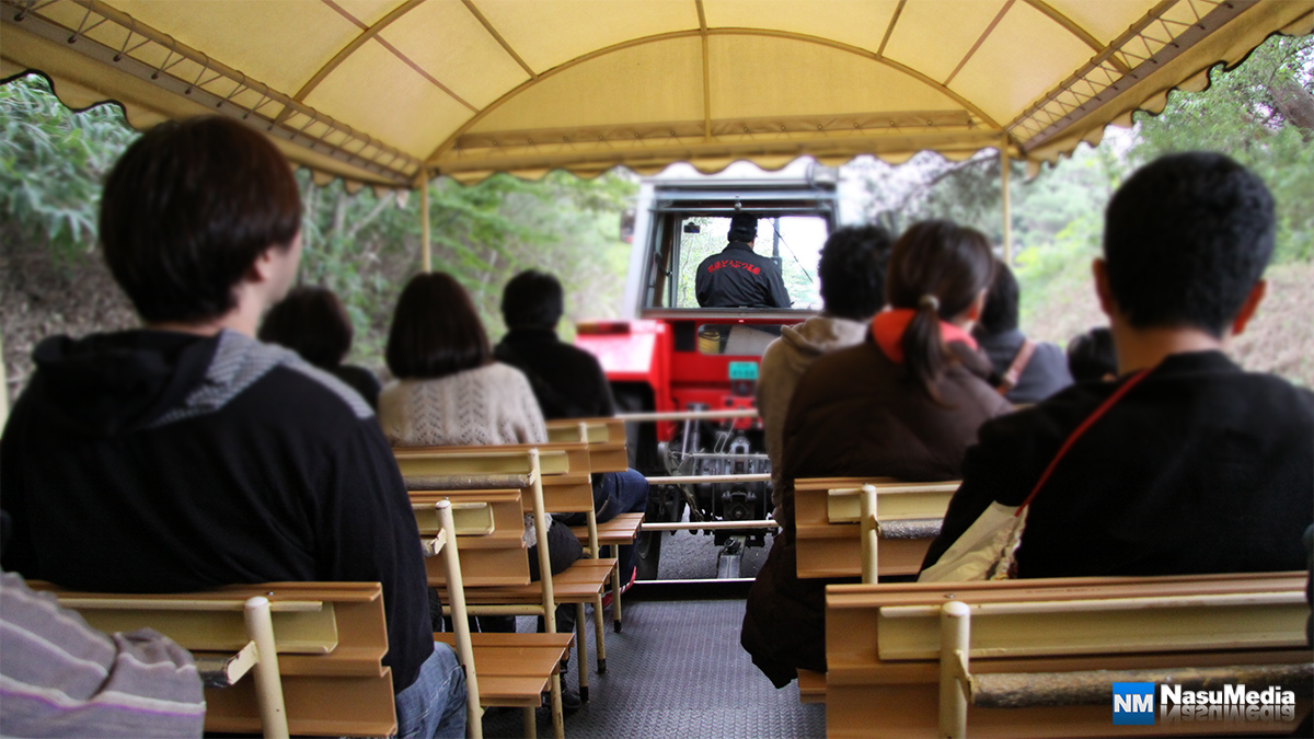 nasuanimalkingdom_tractor-bus_05